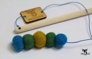 wędka dla kota z wełnianymi kuleczkami kreatywna naturalna zabawka dla kota dla kotów