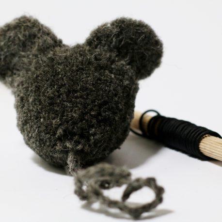 myszka-dla-kota-z-pomponu-SingaLove